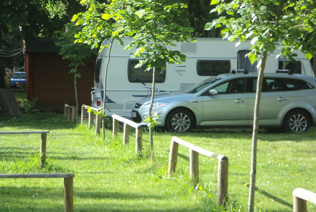 CARAVAN + CAR PITCHES